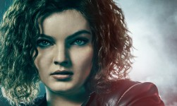 Camren Bicondova As Selin…