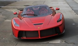 ferrari laferrari red